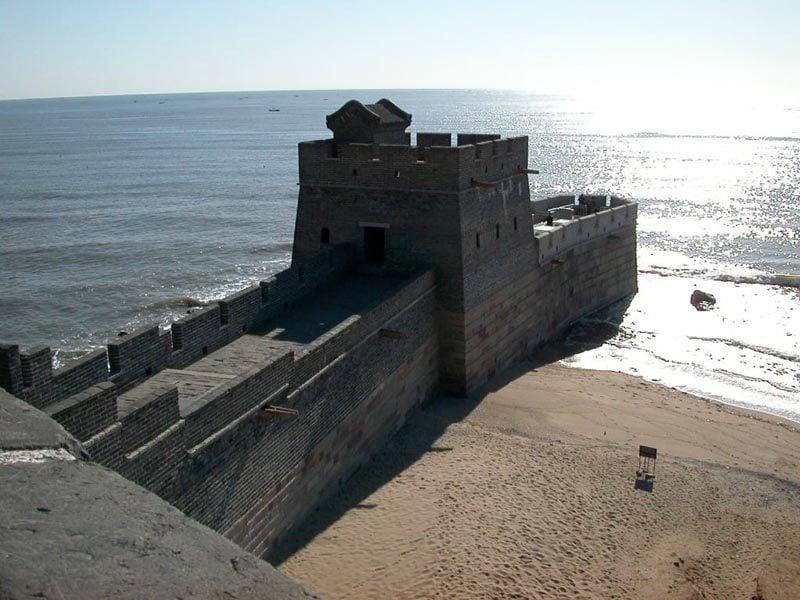 Marele Zid intalneste marea