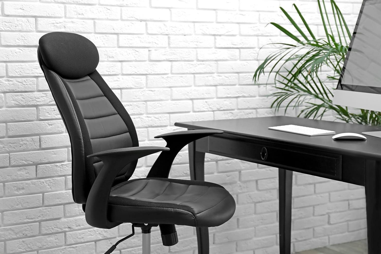 pierde greutatea sa așezat la birou folosind tehnologia pentru a pierde in greutate