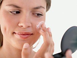 Tratament crema anti-acnee