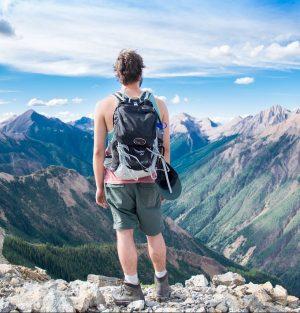 Bocanci de munte pentru drumetii