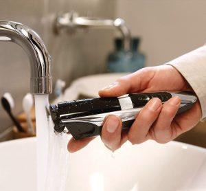 Curatare usoara aparat de tuns barba