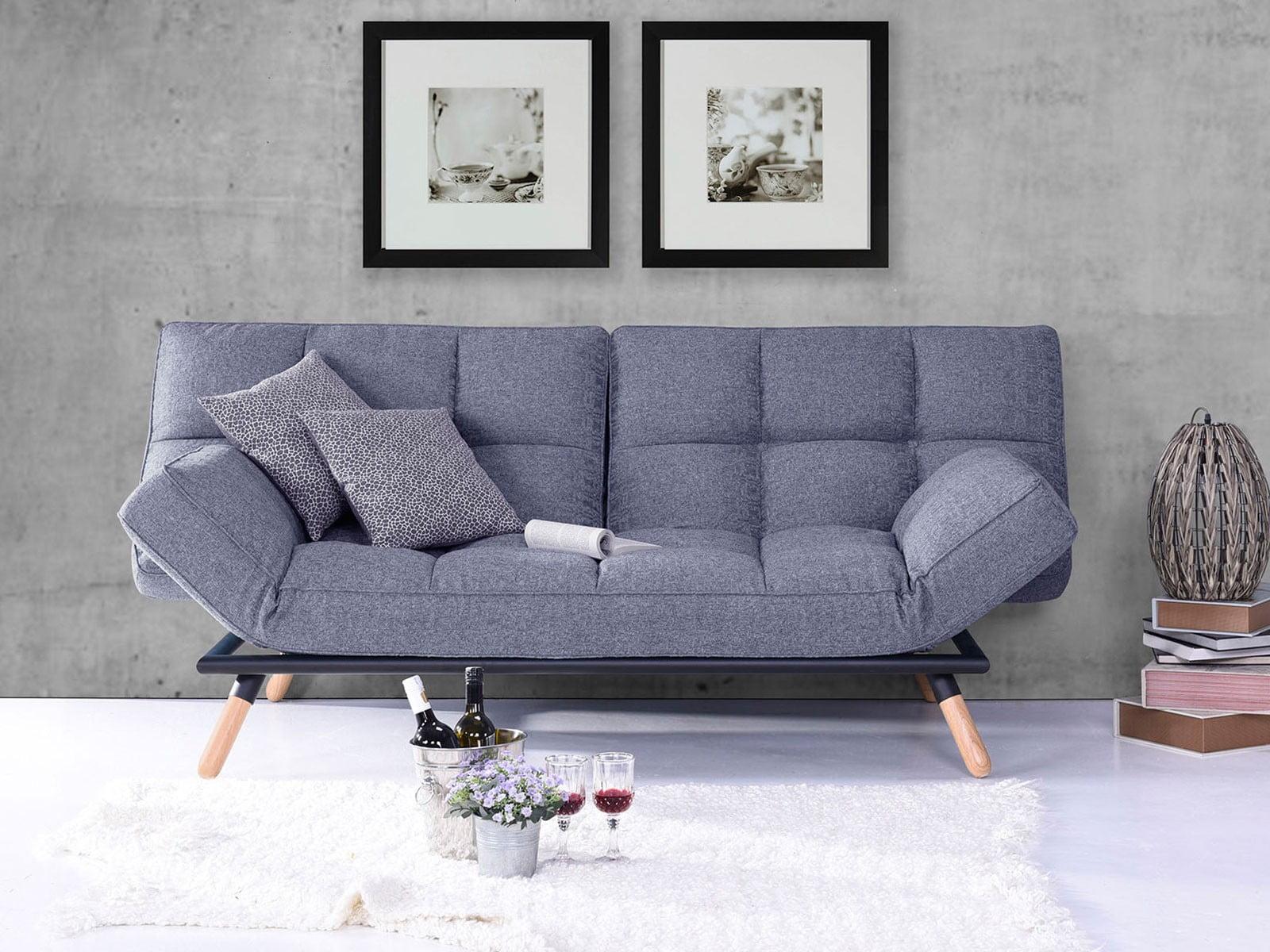 pierde greutatea așezată pe canapea)